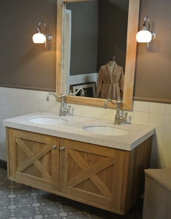 klassiek badkamermeubel hout carrara blad